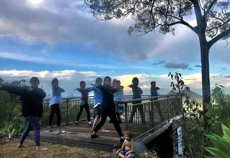 Uluramaya Woodford Retreat Qld - Lyn and group